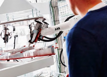 Maskinbetjäning, Robotar samarbetar, Fröjd Automation